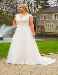 Wedding dress by Special Day BB18705 sample size UK24
