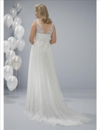 Plus size wedding dresses by White One Plus OCAL back